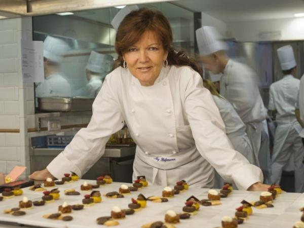 Источник фотографии:  Escuela de cocina Hofmann