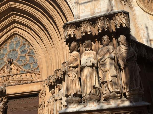 Скульптура Моисея на фасаде Кафедрального Собора Таррагоны